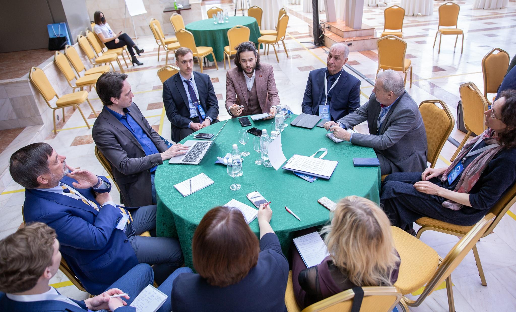 Работа тематических групп Стратегической сессии: Нормы будущего